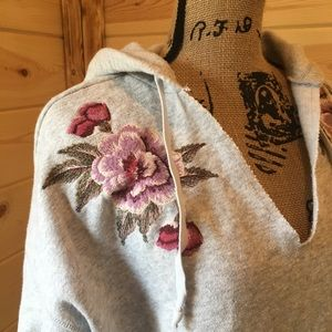 American Eagle Outfitters Embroidered Sweatshirt